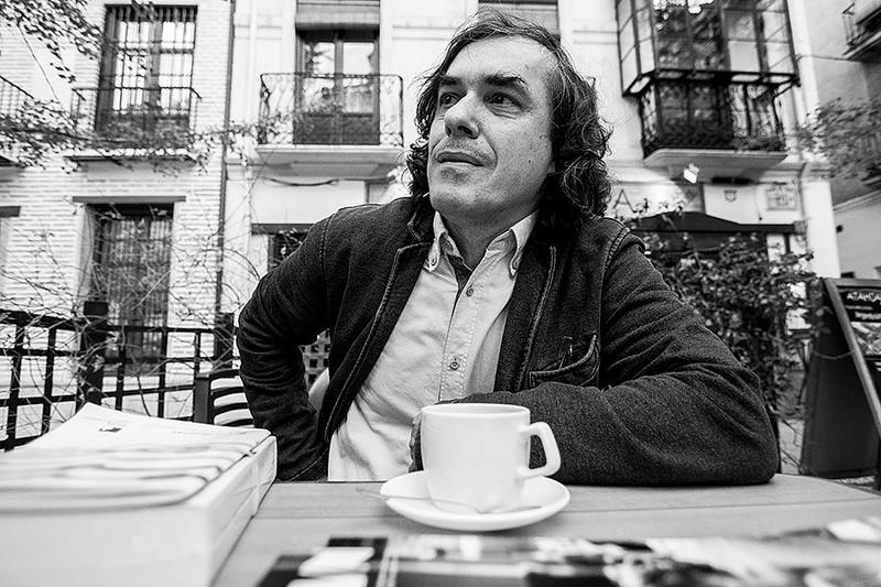 Mircea Cartarescu para JD 0