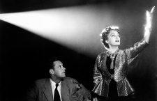 Sunset Blvd. (1950)  aka Sunset Boulevard Directed by Billy Wilder Shown from left: William Holden, Gloria Swanson
