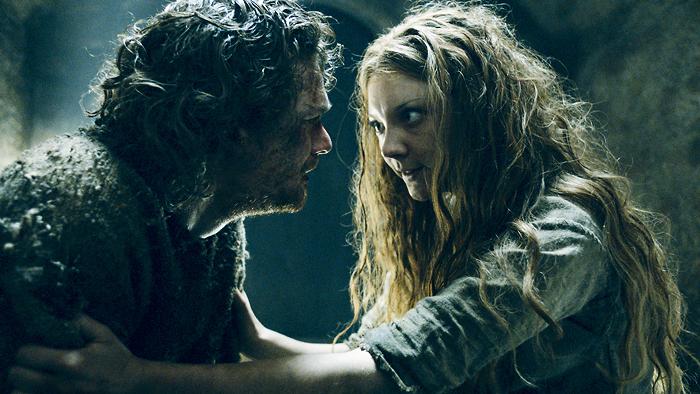 Cuando lo tienes que hacer tú todo porque tu familia es de traca. Fotografía: HBO.