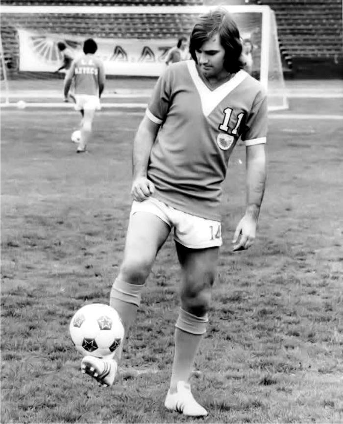 George Best en Los Angeles Aztecs. Foto cortesía de MLS.