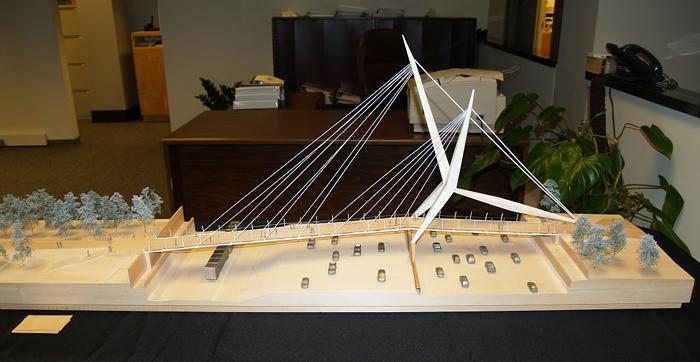 Maqueta de la pasarela Skydance presentada a concurso. Fotografía: Doug Loudenback