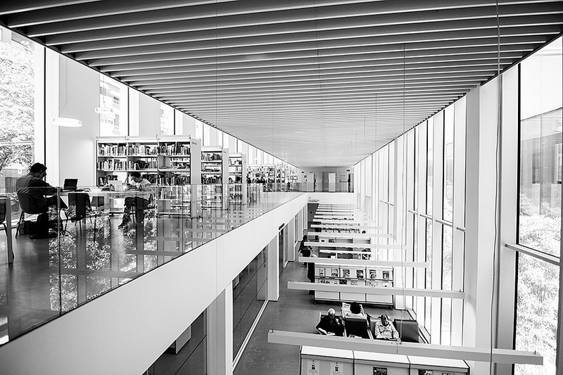 biblioteca Camp de l'Arpa 3