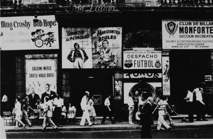 La Rambla. Barcelona, 1962. Cortesía de herederas de Xavier Miserachs.