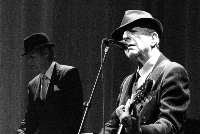 Leonard Cohen sonriendo. Imagen: Cordon.