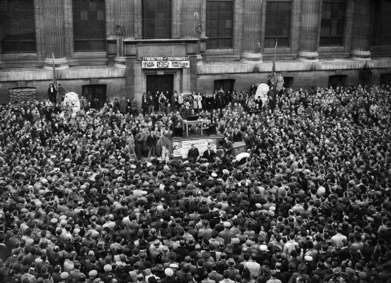 A_huge_crowd_gathered_outside_the_British_Museum,_to_hear_Harry_Pollitt,_General_Secretary_of_the_Communist_Party_of_Great_Britain,_make_a_speech_about_Aid_to_Russia,_1941._D4593
