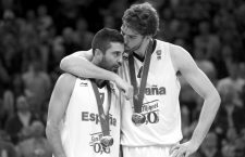 Bildnummer: 08737233  Datum: 18.09.2011  Copyright: imago/Camera 4 Basketball Vilnius (LTU) 18.09.2011 Europameisterschaften der Herren Finale Spanien (ESP) - Frankreich (FRA) Spanien gewinnt und ist Europameister Juan Carlos Navarro (Spanien, No.07) Pau Gasol (Spanien, No.04) ; x2x Länderspiel Nationalteam xng 2011 quer Aufmacher Aktion   Image number 08737233 date 18 09 2011 Copyright imago Camera 4 Basketball Vilnius LTU 18 09 2011 European Championships the men Final Spain ESP France FRA Spain wins and is European championship Juan Carlos Navarro Spain no 07 Pau Gasol Spain no 04 x2x international match National team  2011 horizontal Highlight Action shot