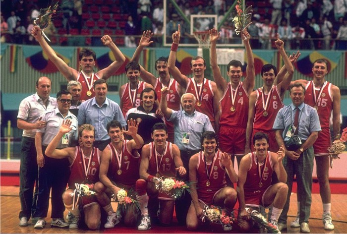 La selección de baloncesto de la URSS, oro olímpico en Seúl 1988.