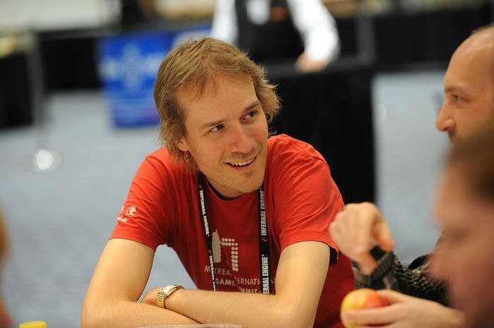 1024px-jason_rohrer_-_game_developers_conference_2011_-_day_2_1