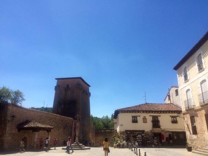 pza-de-dn%cc%83a-sancha-con-torre-de-don-fernan-covarrubias