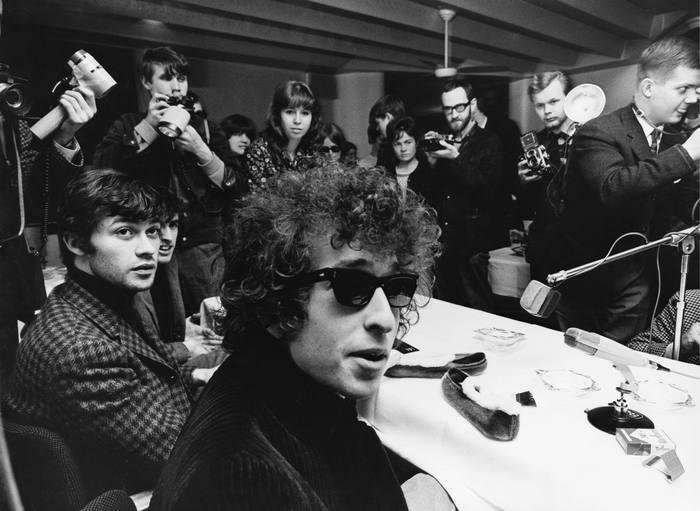 Robbie Robertson y Bob Dylan, 1966. Fotografía: Cordon Press.