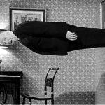 El señor Hitchcock quiere decirles algo