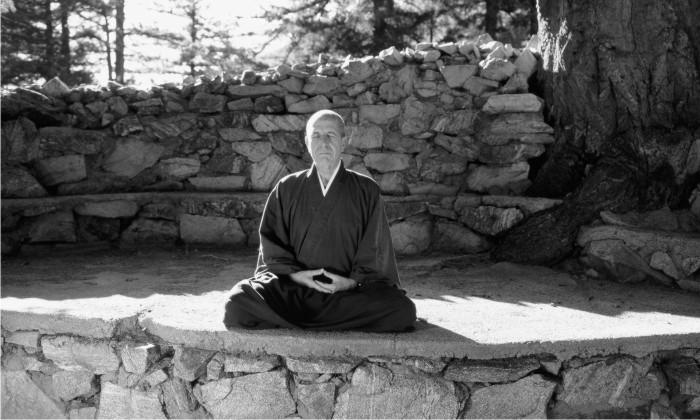 Leonard Cohen en el Mount Baldy Zen Center. Foto: Cordon.