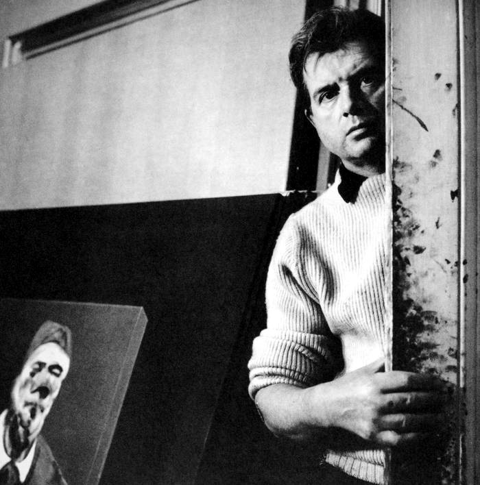 Francis Bacon en su estudio. Fotografía: Cecil Beaton / Cordon Press.