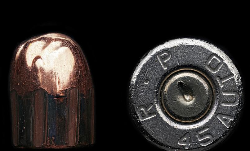Casquillos de bala de una Glock (detalle). Fotografía: Macroscopic Solutions (CC).