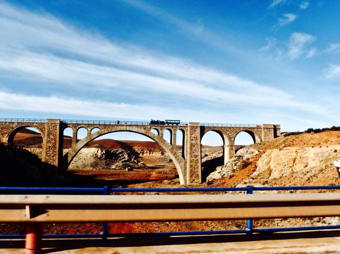 Puente del ferrocarril Teruel Alcaniz cerca de Alfambra