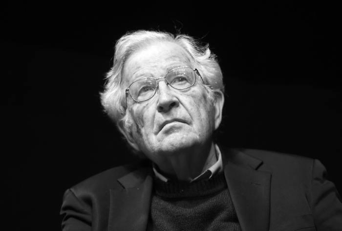 ¡Feliz cumpleaños, Noam Chomsky!