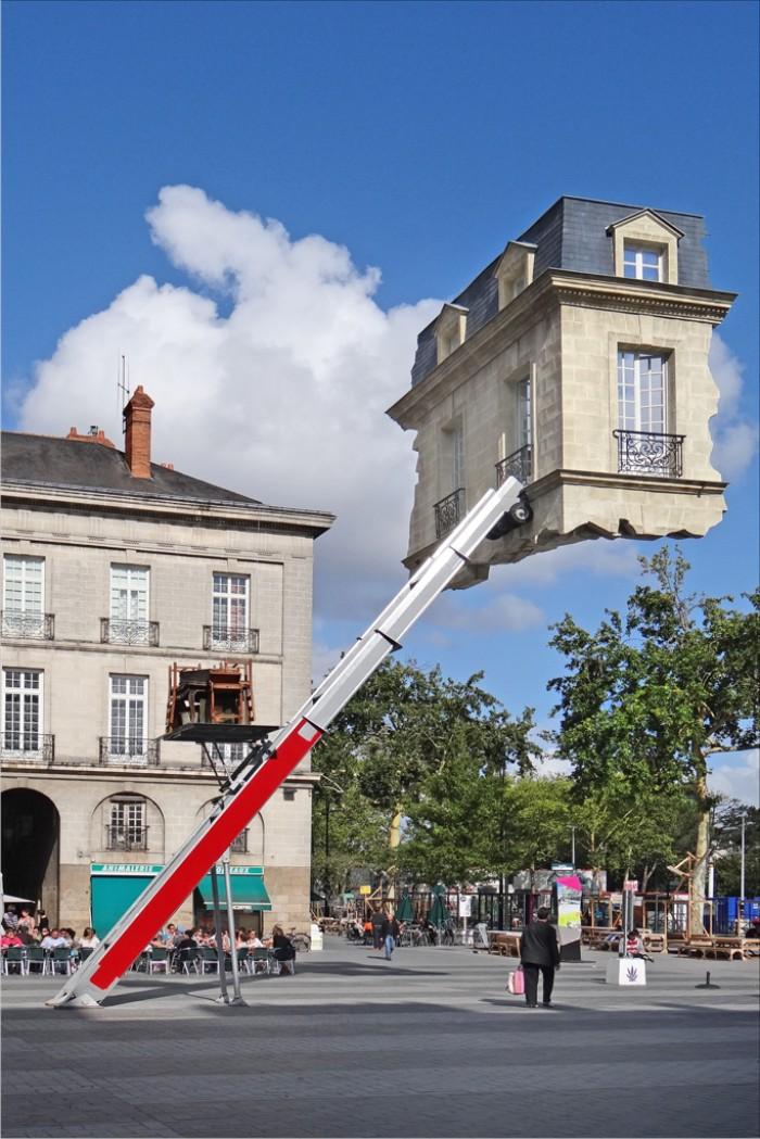 Sur la place du Bouffay le Voyage à Nantes 7712245598