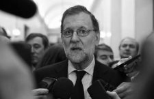 Spanish Prime Minister Mariano Rajoy talks to reporters about the death of Rita Barbera, member of Spain's higher house for the People Party's (PP) and Valencia's former mayor, at Spanish parliament in Madrid, Spain, November 23, 2016. REUTERS/Andrea Comas     TPX IMAGES OF THE DAY     CODE: X90037