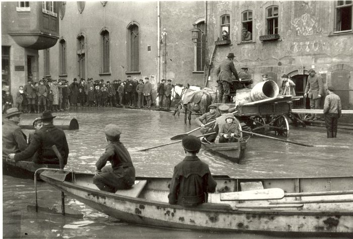18 Oskar Barnack Inundacion en Wetzlar 1920 © Leica Camera AG