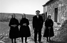 Algunos de los últimos vecinos de Manzanares en 1969. Fotografía: Malica (CC).