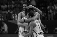 Basketball - Spain v Russia - European Championships EuroBasket 2017 Third Place Game - Istanbul, Turkey - September 17, 2017 -  Players of Spain celebrate. REUTERS/Murad SezerCODE: X90138