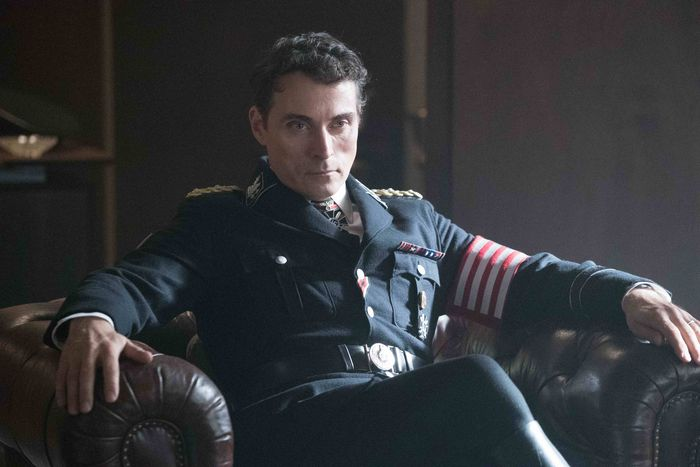 the man in the high castle season two MITHC 201 03003 rgbs