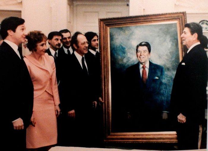 Americo Makk Presentation of Portrait to President Reagan