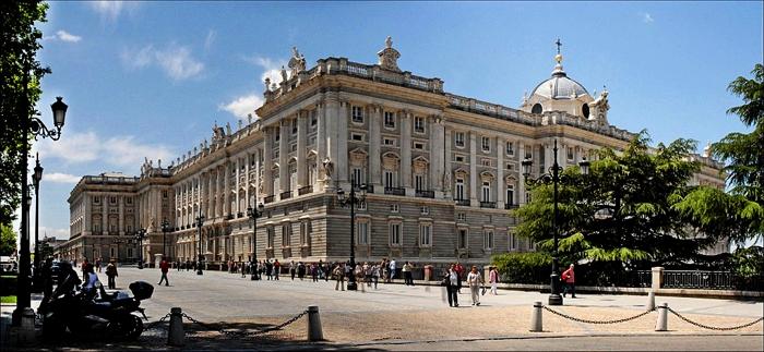 1024px Palacio Real Madrid 17