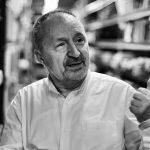 Abelardo Linares: «Los libros son como un veneno. Un veneno raro que solo es perjudicial en pequeñas dosis»