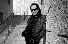 Johnny Cifuentes: «Todas nuestras canciones son como fotografías, cada una tiene una película detrás»