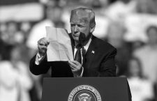 September 29, 2018 - Wheeling, West Virginia, U.S. -  DONALD TRUMP holds a Make America Great Again rally at the WesBanco Arena.(Credit Image: © Brian Cahn/ZUMA Wire)