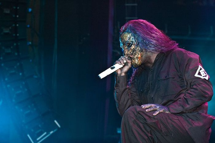 800px Corey Taylor of Slipknot in 2005 result