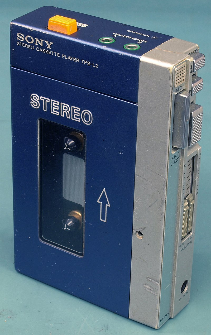 800px Original Sony Walkman TPS L2