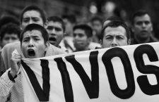 September 15, 2018 - EUM20180915JUS06.JPG .CIUDAD DE MÉXICO, Protest/Protesta-Antigrito.- Aspectos del denominado ''Antigrito'', realizado por organizaciones de sociedad civil y padres de familia de los estudiantes desaparecidos de Ayotzinapa para reclamar justicia; esto en el marco del Grito de Independencia que dará el presidente Enrique Peña Nieto por el aniversario 208 de la Independencia de México. Foto: Agencia EL UNIVERSAL/Juan Carlos Reyes/MAR. (Credit Image: © El Universal via ZUMA Wire)