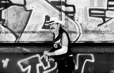 Oriol Llopis: «Si cuando te haces mayor no sigues escuchando rock and roll es porque nunca en verdad te tocó»