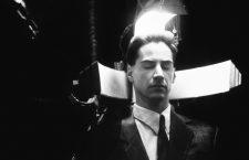 – Keanu Reeves en Johnny Mnemonic, 1995. Fotografía: TriStar Pictures / Alliance / Cinévision / Peter Hoffman.