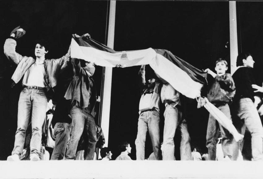 hajduk partizan paljenje zastave 2
