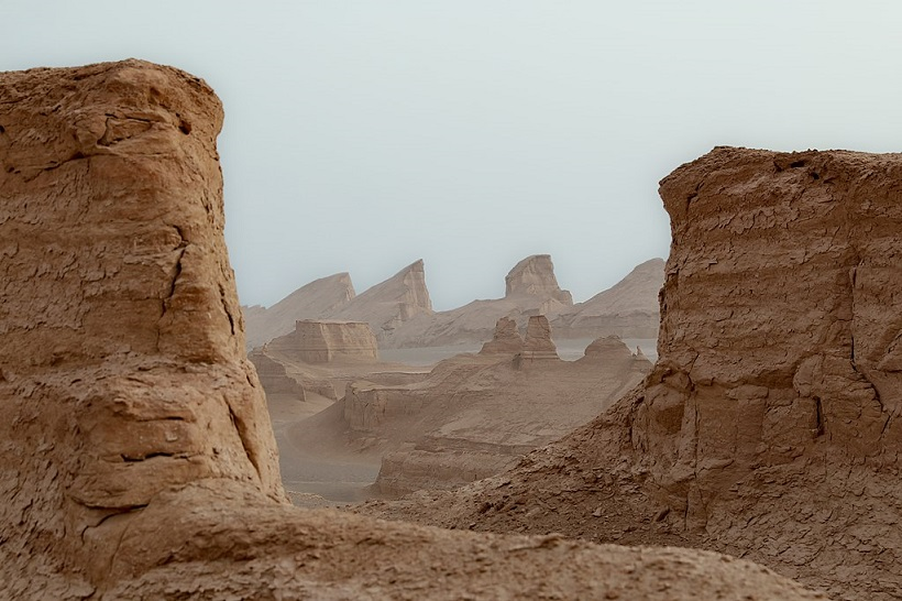 1024px Kaluts Lut Desert Kerman Province Iran 28898447408