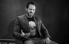 Joe Abercrombie: «Los nerds heredaremos la Tierra»
