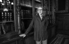 Sigrid Rausing: «No hay división entre las personas adictas y las no adictas, todas lo somos»