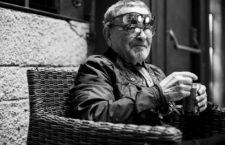 Fernando Arrabal: «Todos los premios son infamantes, pero los premios de patafísica, con sus fiestas solemnes, tienen una importancia vital»