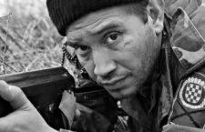 Eduardo Rózsa-Flores y los militantes de extrema derecha en la guerra de Croacia