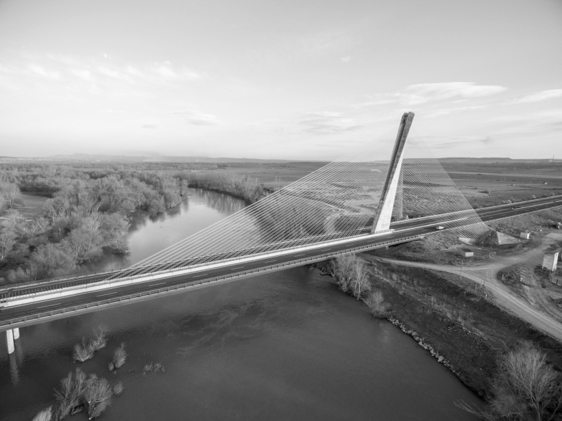 1. Puente de Sancho el Mayor sobre el rio Ebro Navarra 1978