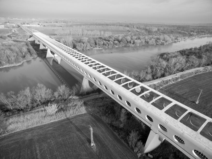 4. Puente de Osera del AVE sobre el rio Ebro 2001