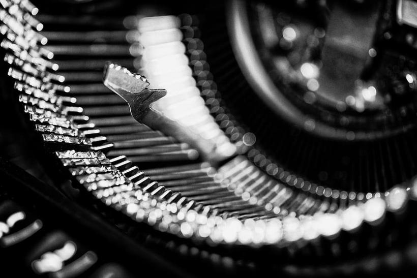 typewriter types write type antique writer
