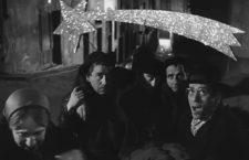 Familia y allegados en Plácido. Imagen: Jet Films.