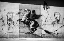 Varios grafitis atribuidos a Banksy en París, 2018. Fotografía: Corbis.