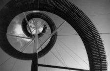 Una espiral de madera diseñada por Eternity Co. en la Exposición Universal de Bruselas, 1958. Fotografía: Getty.