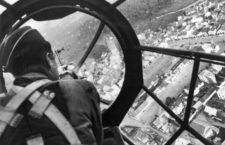 Un artillero alemán sobrevuela la ciudad polaca de Gdansk, 1939. Fotografía: Getty. JV44