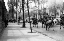 Los grises cargan contra manifestantes durante una huelga en 1968. (DP)